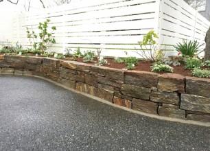 五泉市吉田印刷所様 フェンス、花壇改修工事