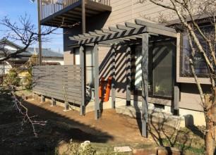 阿賀野市O様邸 パーゴラ、木製フェンス工事