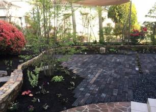 広いお庭をリノベーションして生まれたガーデンテラスで安らぐ時間 新潟市Y様邸