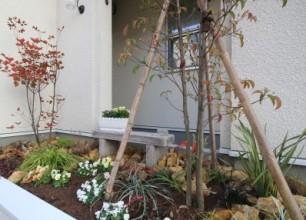 花壇の排水工事 加茂市H様邸新築の庭外構
