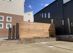 新潟市S様邸外構植栽工事「おしゃれなハードウッドフェンスでお家時間を楽しめるお庭に。」