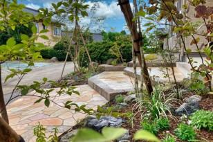 既存の庭石を使って外周りをリフォーム 阿賀野市外構植栽リフォーム工事
