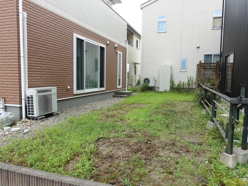 水はけが悪いお庭と雑草対策